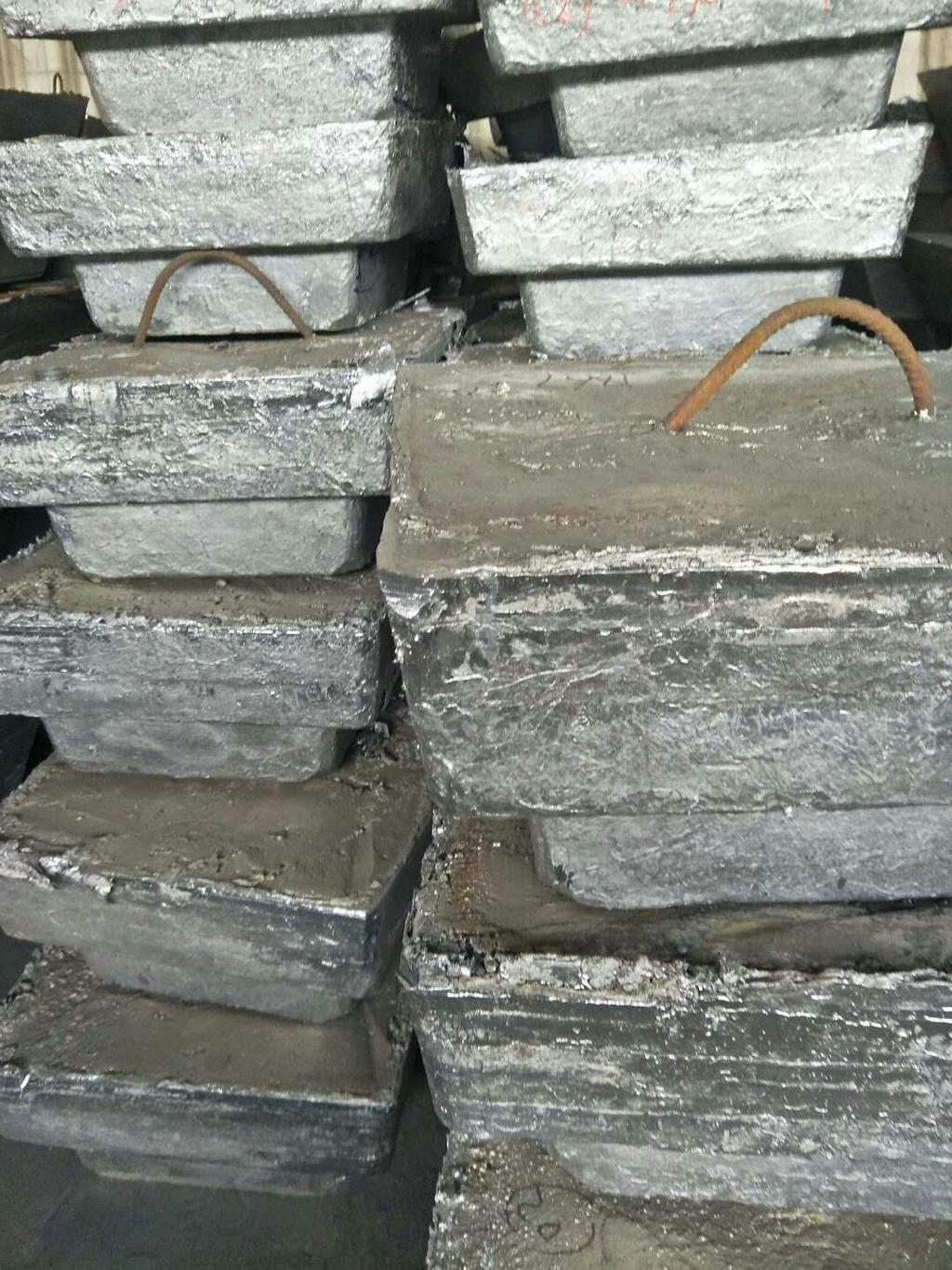 河北保定正规企业长期稳定不限量采购还原铅!13730237773臧