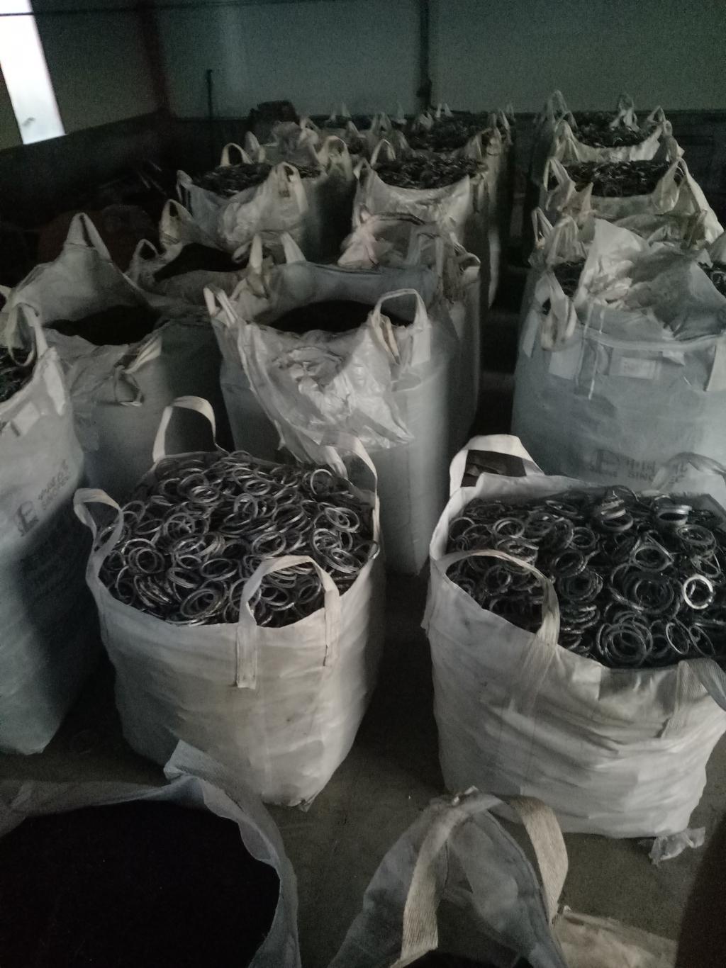 出售锰钢环(活塞环),锰钢销(活塞销) 含镍13. 40吨