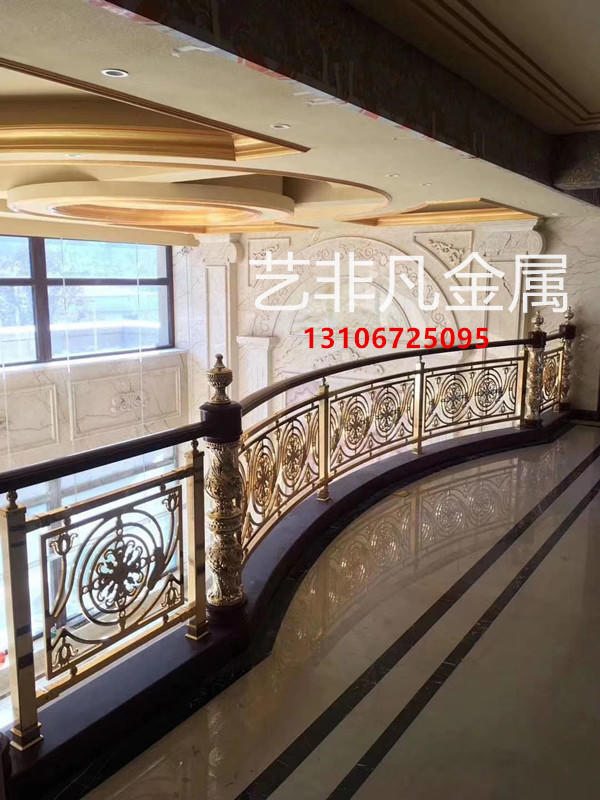 中式室内旋转楼梯扶手制造隔而不断的雅趣体验