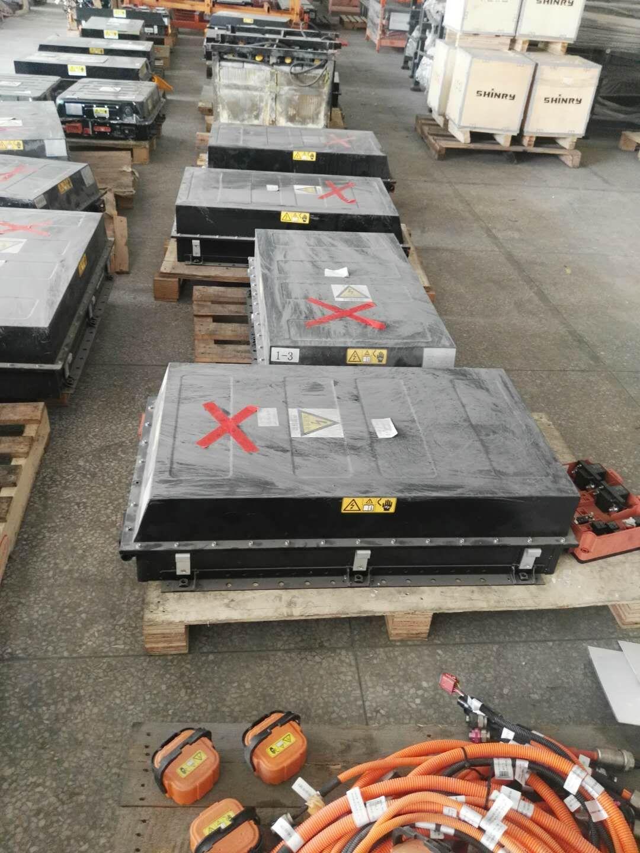 大量回收汽车底盘锂电池!有偿分享!电话:18816830868