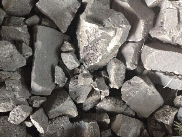 金属原料-废旧金属-有色金属-大连山阳金属有限公司,成立于2002年,公司占地面积14万平方米,是东北地区最大的冶金、铸造原材料供应商之一,主要经营冶金、铸造用原材料、辅助材料、化工产品、金属冶炼加工及废旧金属购销。 山阳金属为了更好的为冶炼和铸造行业服务,与客户共同发展,特开设